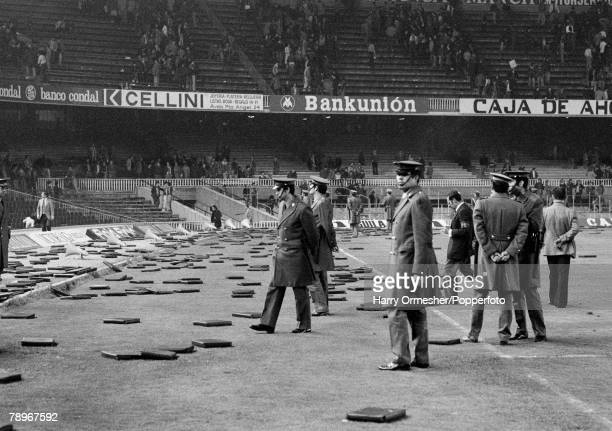 Football 30th March 1976 Nou Camp Barcelona Spain UEFA Cup SemiFinal First Leg Barcelona 0 v Liverpool 1 Spanish police stand guard in front of the...