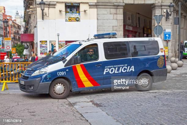 furgoneta de la policía española - gwengoat fotografías e imágenes de stock