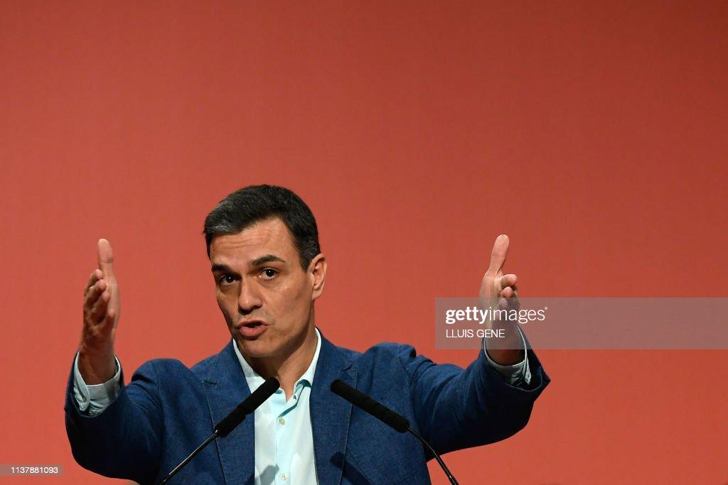 SPAIN-POLITICS-VOTE-PSOE : News Photo