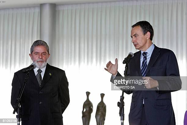 Spanish Prime Minister Jose Luiz Zapatero and Brazilian President Luiz Inacio Lula da Silva deliver a speech at Alvorada Palace in Brasilia on May 15...