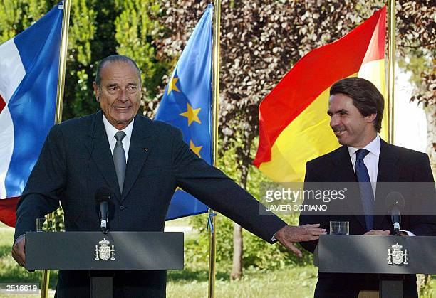 Spanish Prime Minister Jose Maria Aznar and French President Jacques Chirac give a press conference after their meeting at Quintos de Mora in Toledo...