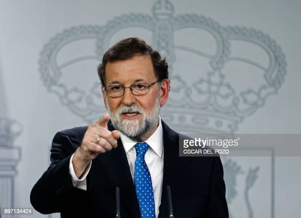 Spanish Prime Minister Mariano Rajoy gives a press conference one day after the Catalan regional elections at La Moncloa Palace in Madrid on December...