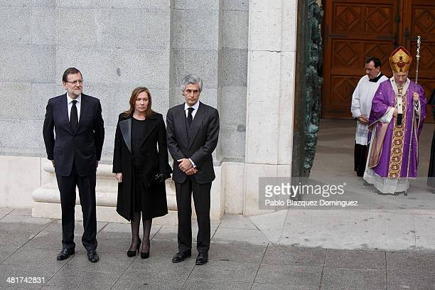 Spanish prime minister Mariano Rajoy his wife Elvira Fernandez and Adolfo Suarez Illana and Archbishop of Madrid Rouco Varela arrive for the state...