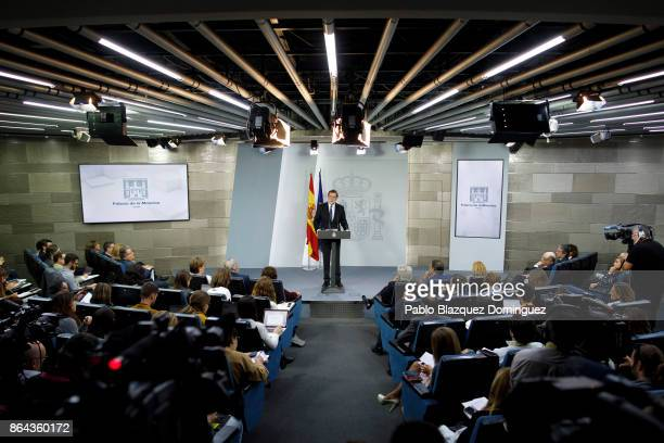 Spanish Prime Minister Mariano Rajoy speaks during a press conference after an extraordinary cabinet meeting at Moncloa Palace on October 21 2017 in...