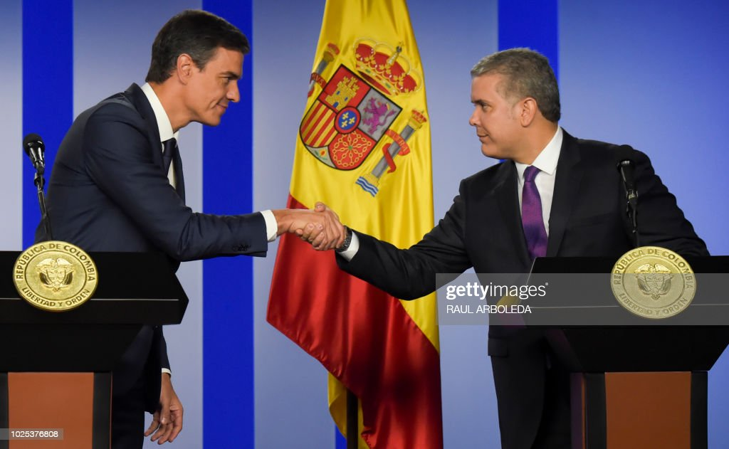Spanish prime minister pedro sanchez l and colombian president spanish prime minister pedro sanchez l and colombian president ivan duque greet each other m4hsunfo