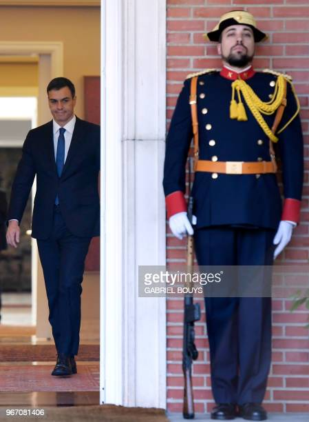 Spanish prime minister Pedro Sanchez arrives to welcome Ukrainian president before holding a meeting at La Moncloa palace in Madrid on June 4, 2018.