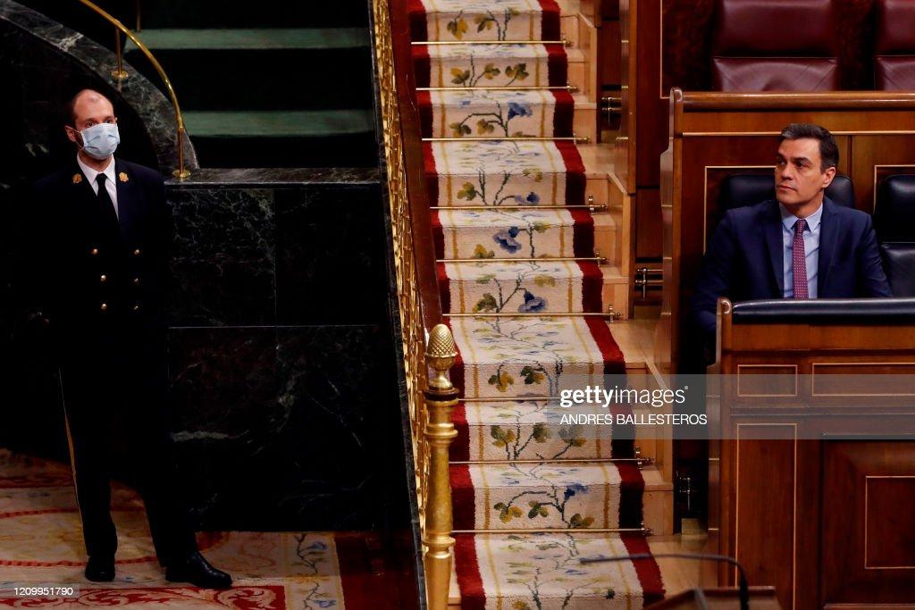 SPAIN-HEALTH-VIRUS-POLITICS : News Photo