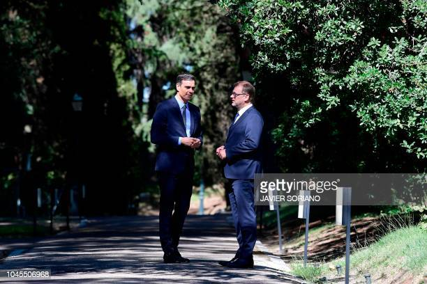 Spanish Prime Minister Pedro Sanchez meets Finnish Prime Minister Juha Sipila on October 4, 2018 at the Moncloa Palace in Madrid.