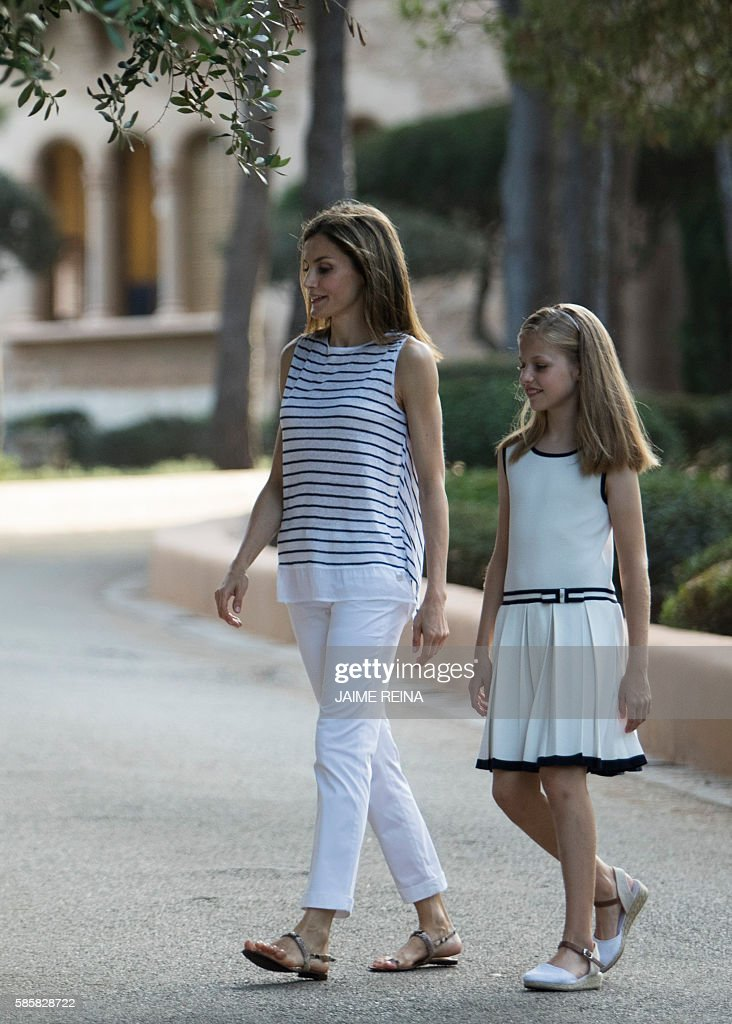SPAIN-ROYALS-HOLYDAYS : News Photo