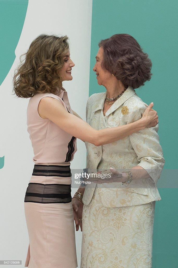 Queen Sofia and Queen Letizia of Spain Attend FAD 30th Anniversary : News Photo