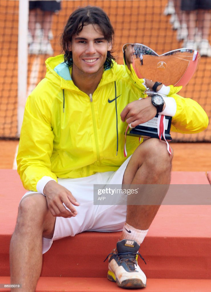 Spanish Rafael Nadal poses on the podium : News Photo