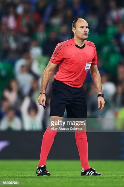 Spanish referee Antonio Miguel Mateu Lahoz looks on during the La Liga match between Real Betis and Getafe at Estadio Benito Villamarin on November 3...