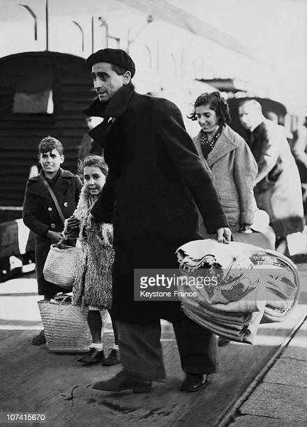 Spanish Refugees Arriving At Newhaven On Their Way To London In Newhaven On April 1939