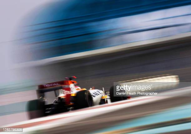 Spanish Renault Formula One driver Fernando Alonso driving his Renault R29 racing car during practice for the 2009 Abu Dhabi Grand Prix at the Yas...