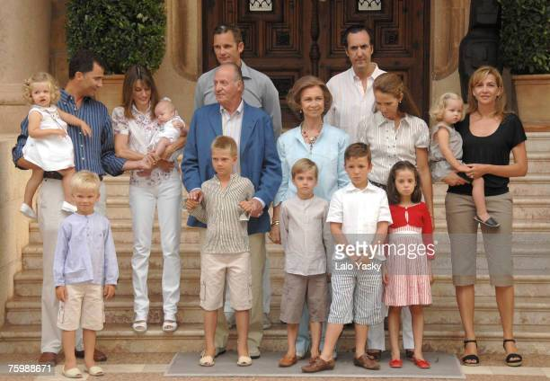 Spanish Royal Family pose for photographers at Marivent Palace on August 6, 2007 in Mallorca,Spain