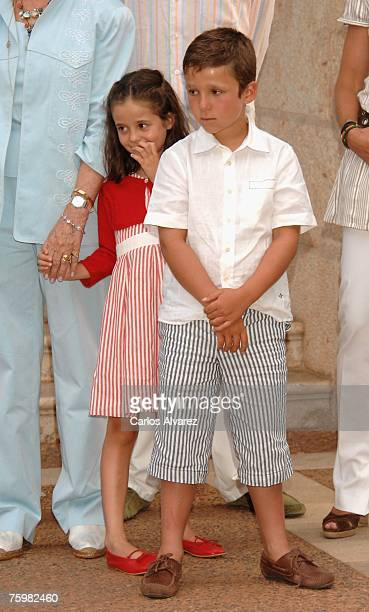 Spanish Royals Felipe Juan Froilan and Victoria Federica attend a photocall on August 6 2007 at Marivent Palace in Mallorca Spain