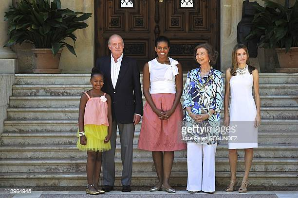 Spanish Royals Meets Michelle Obama In Palma Mallorca Spain On August 08 2010Sasha Obama King Juan Carlos of Spain US first lady Michelle Obama Queen...
