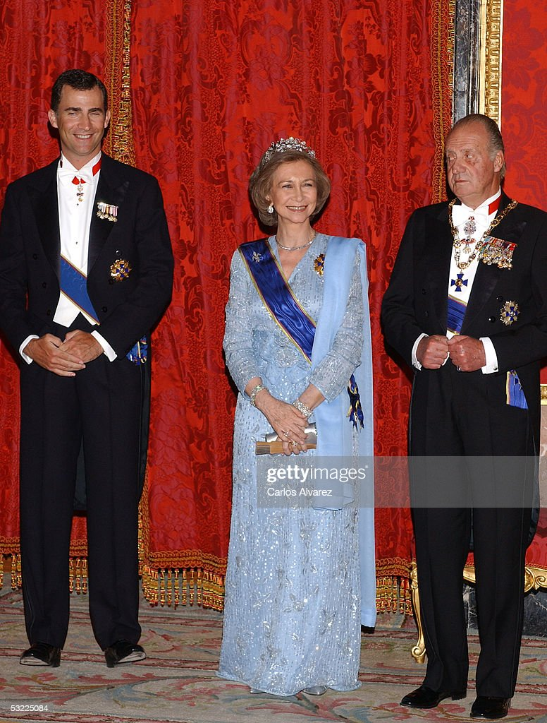 Spanish Royals Prince Felipe, King Juan Carlos and Queen Sofia welcome Colombian President Alvaro Uribe and his wife with a gala dinner at the Royal Palace on July 11, 2005 in Madrid, Spain.