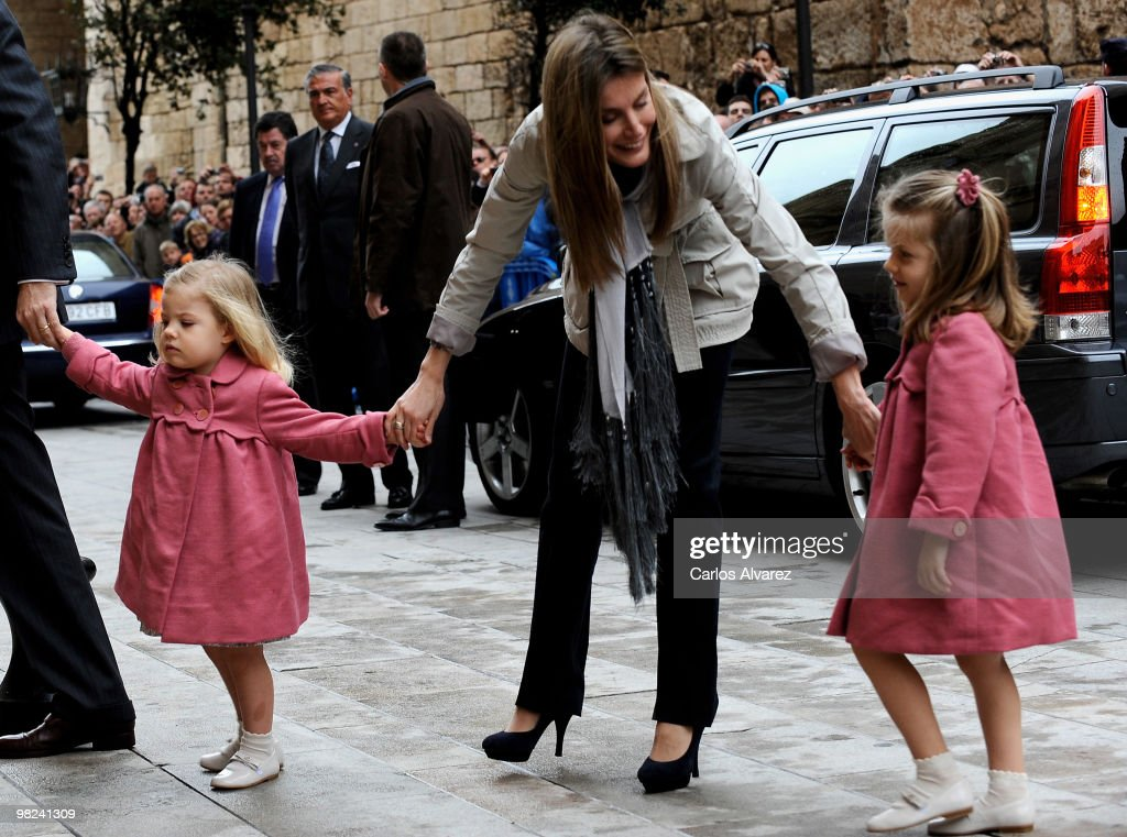 Spanish Royals Princess Letizia (C) and her daugthers Princess Sofia (L) and Princess Leonor (R) attend Easter Mass at Palma de Mallorca Cathedral, on April 4, 2010 in Palma de Mallorca, Spain.