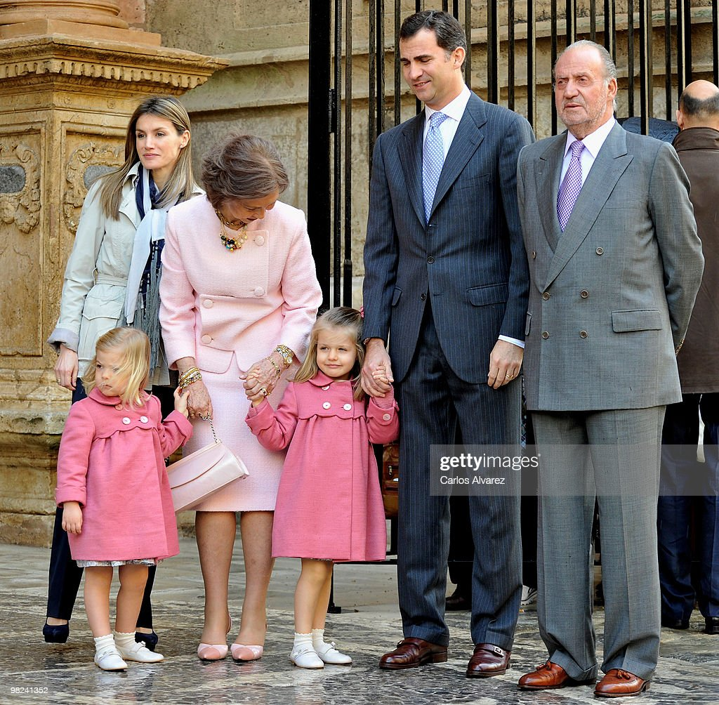Spanish Royals (L to R) Princess Letizia, Princess Sofia, Queen Sofia, Princess Leonor, Prince Felipe and King Juan Carlos attend Easter Mass at Palma de Mallorca Cathedral, on April 4, 2010 in Palma de Mallorca, Spain.