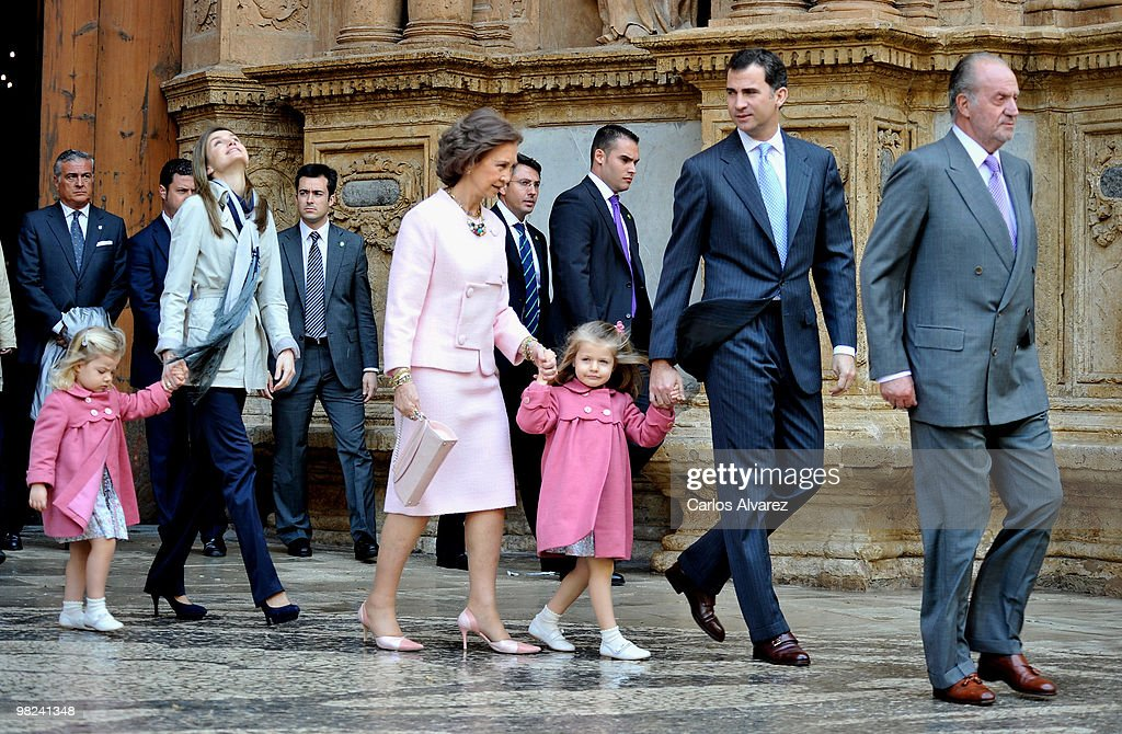 Spanish Royals (L to R) Princess Sofia, Princess Letizia, Queen Sofia, Princess Leonor, Prince Felipe and King Juan Carlos attend Easter Mass at Palma de Mallorca Cathedral, on April 4, 2010 in Palma de Mallorca, Spain.