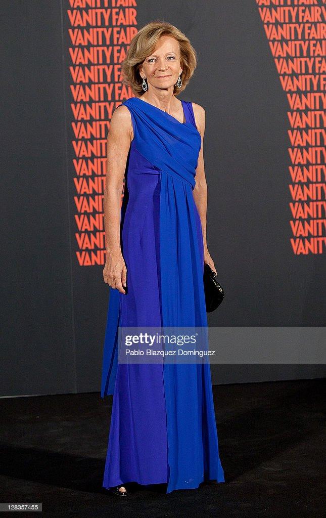 Mario Vargas Llosa Receives 'Man of The Year 2011 Award' At Vanity Fair Party