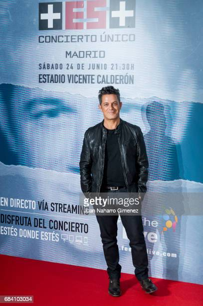 Spanish singer Alejandro Sanz attends 'Mas' Tour photocall at Vicente Calderon Stadium on May 17 2017 in Madrid Spain