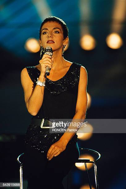 Spanish singer Ana Torroja on the set of the televised pop music show Stars 90