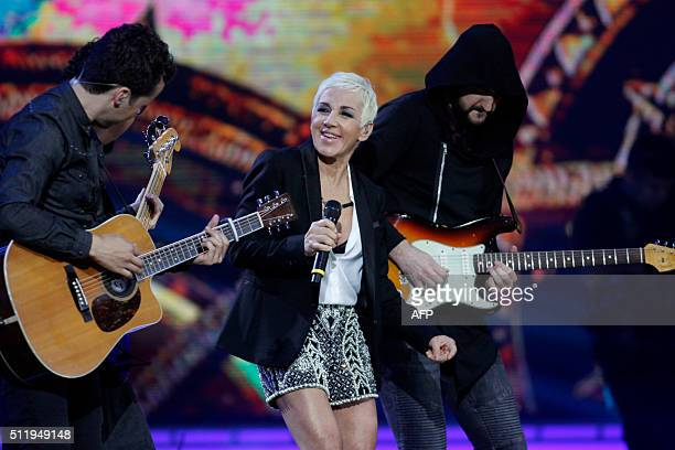 Spanish singer Ana Torroja performs during at the 57th of the Vina del Mar song festival in Vina del Mar, Chile, on February 23, 2016. / AFP / LUIS...