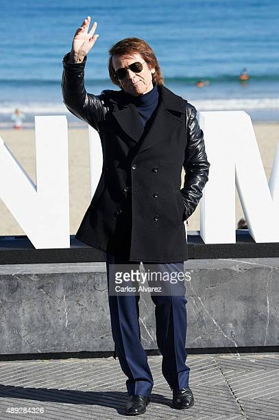 Spanish singer and actor Raphael attends the 'Mi Gran Noche' photocall at the Kursaal Palace during the 63rd San Sebastian Film Festival on September...