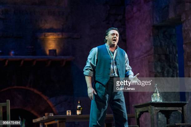 Spanish singer Antonio Gandia performs during the dress rehearsal of the 'zarzuela' 'La tabernera del puerto' by Pablo Sorozabal on stage at the...