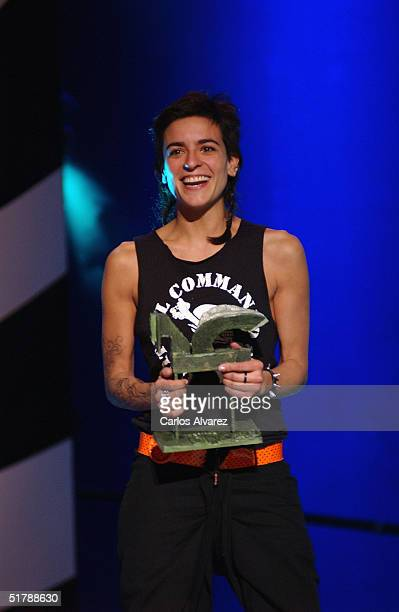 Spanish singer Bebe receives a Onda Award during the Onda Awards Ceremony at the Gran Teatre del Liceu on November 23 2004 in Barcelona Spain The...