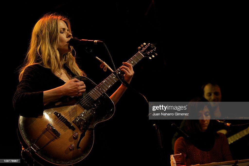 Christina Rosenvinge Performs in Concert : Fotografía de noticias