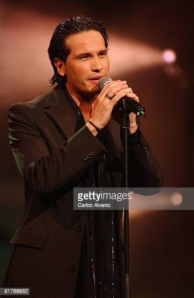 Spanish singer David de Maria performs on stage during the Onda Awards Ceremony at the Gran Teatre del Liceu on November 23 2004 in Barcelona Spain...