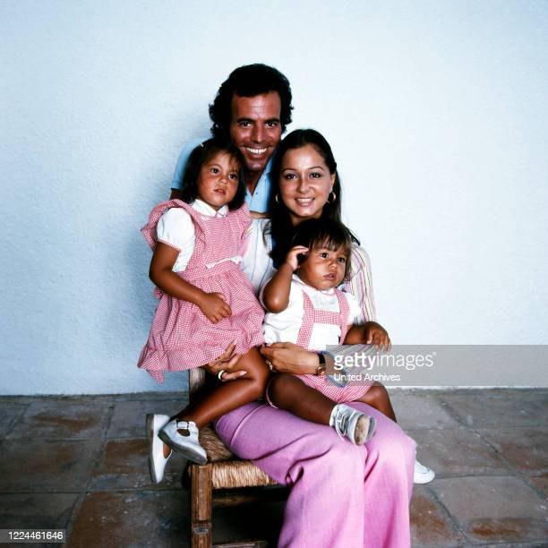Spanish singer Julio Iglesias with his wife Isabel and the children Chabeli and Julio Jose at his home in Cadiz, Spain, 1974.