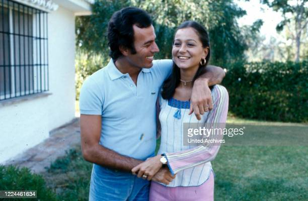 Spanish singer Julio Iglesias with his wife Isabel at his home in Cadiz, Spain, 1974.