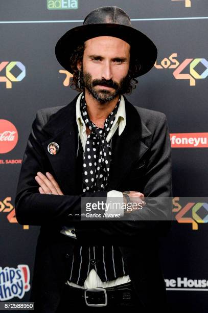 Spanish singer Leiva attends 'Los 40 Music Awards' photocall at WiZink Center on November 10, 2017 in Madrid, Spain.