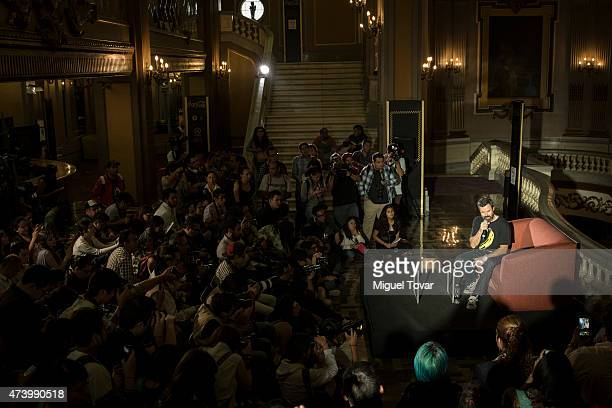 Spanish singer Pau DoneŽs vocalist of Spanish band Jarabe de Palo speaks during a press conference to promote the Americano 2015 Tour on May 19 2015...