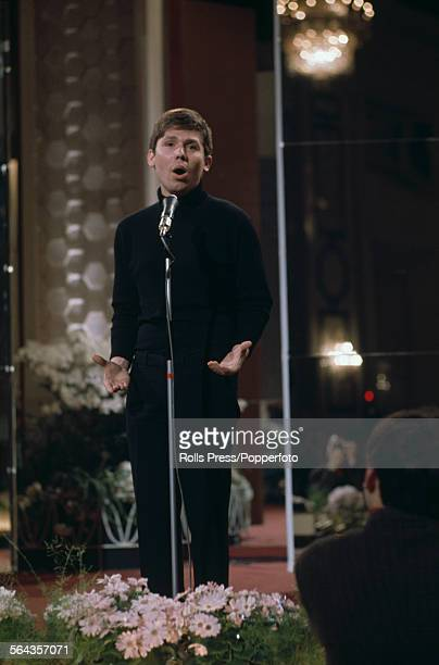 Spanish singer Raphael performs the song 'Hablemos del amor' for Spain at the Eurovision Song Contest final in Vienna Austria on 8th April 1967