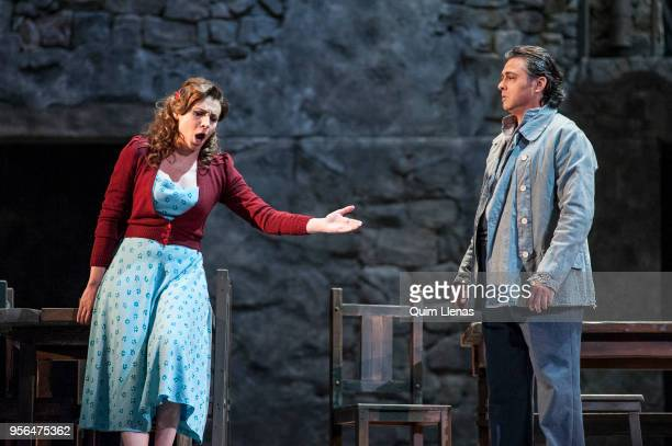 Spanish singers Sabina Puertolas and Antonio Gandia perform during the dress rehearsal of the 'zarzuela' 'La tabernera del puerto' by Pablo Sorozabal...