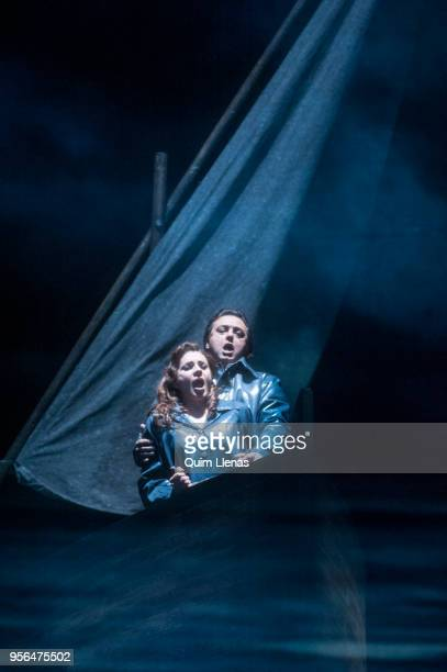 Spanish singers Sabina Puértolas and Antonio Gandia perform during the dress rehearsal of the 'zarzuela' 'La tabernera del puerto' by Pablo Sorozabal...