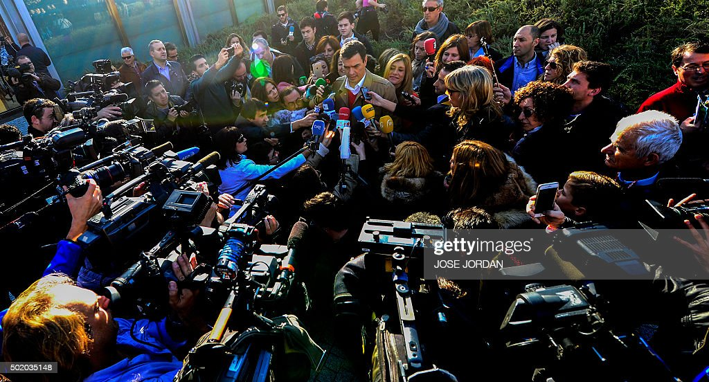 TOPSHOT - Spanish Socialist Party (PSOE) leader and candidate for the general elections, Pedro Sanchez speaks to the press after casting his vote at the Volturno Cultural Centre in Pozuelo de Alarcon on the outskirts of Madrid on December 20, 2015. Spaniards go to the polls today in what is expected to be one of the most closely-fought contests in modern history, as two dynamic new parties take on the country's long-established giants.