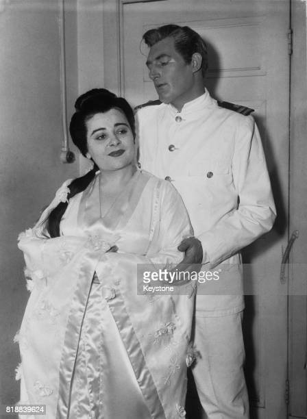 Spanish soprano Victoria de Los Angeles and Australian tenor John Lanigan rehearsing for 'Madame Butterfly' at the Royal Opera House in London 18th...