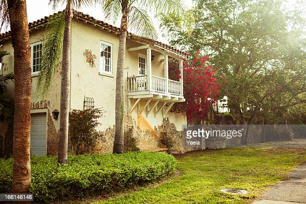 spanish style house in florida - coral gables stock pictures, royalty-free photos & images