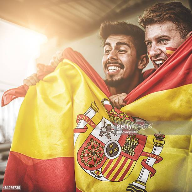 spanish supporters at stadium - fan enthusiast stock pictures, royalty-free photos & images