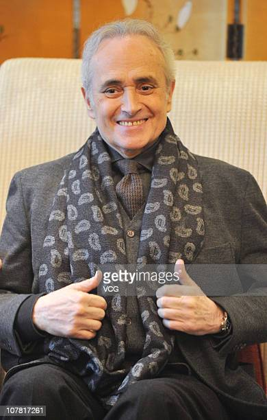 Spanish tenor Jose Carreras talks to the media prior to his concert at Le Meridien hotel on December 30 2010 in Chongqing China