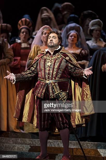 Spanish tenor Placido Domingo performs during the final dress rehearsal prior to the season premiere of the Metropolitan Opera/Pier Luigi Samaritani...