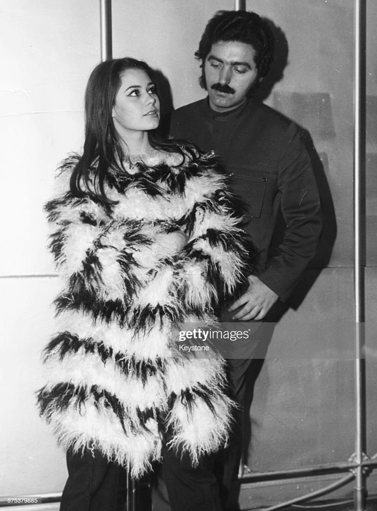 Spanish Born French Fashion Designer Paco Rabanne Fitting Actress News Photo Getty Images