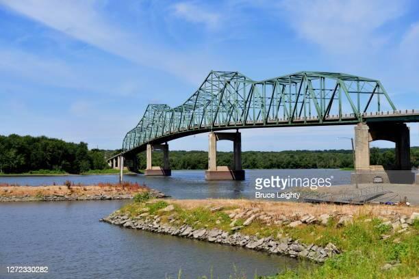 spanning the illinois river - 1939 stock-fotos und bilder