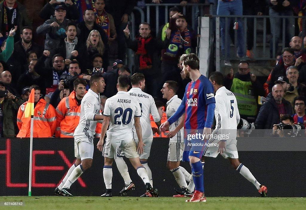 Barcelona - Real Madrid : La Liga  : News Photo